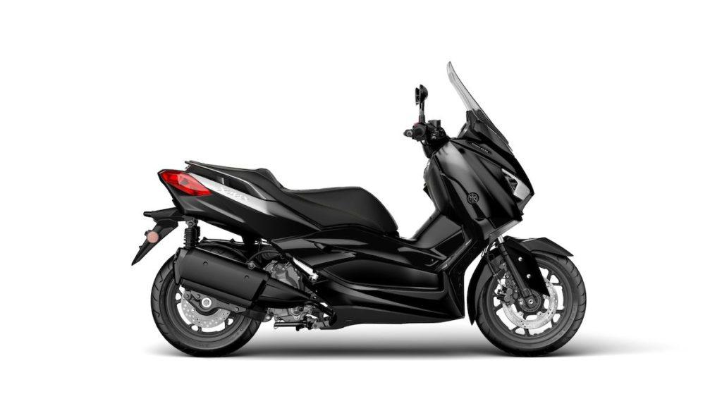 Yamaha mostra Scooter XMax 300 2019 na cor