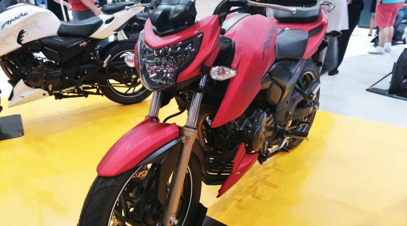 Dafra Apache RTR 200 salão duas rodas 2017