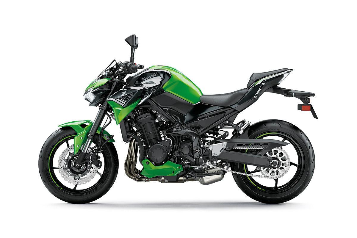 z900 2021 preta com verde lateral esquerda