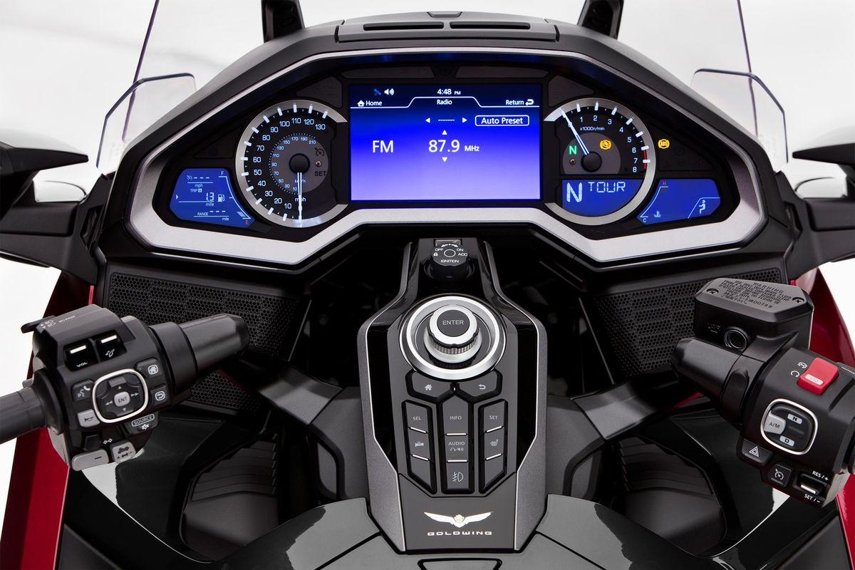 honda gold wing tour 2021 painel cockpit